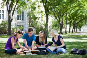 10 Reasons to Start a Business in College